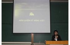 Hội nghị trao đổi kinh nghiệp học tập của LCĐ khoa Ngoại ngữ