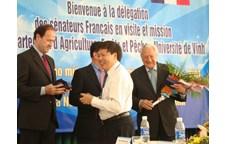 Đoàn thượng nghị sĩ Pháp đến thăm và làm việc với Khoa Nông Lâm Ngư – Đại học Vinh