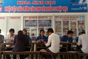 Khoa Sinh học tổ chức đón tiếp tân sinh viên khóa 55 nhập học đợt 1.