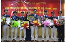 CHÚC MỪNG EM ĐINH LÊ CÔNG ĐÃ GIÀNH HUY CHƯƠNG BẠC TOÁN QUỐC TẾ 2013