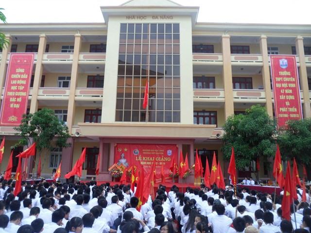 Học sinh Trường Trung học phổ thông Chuyên đạt kết quả tốt trong kỳ thi trung học phổ thông quốc gia năm 2015