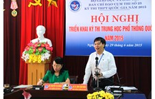 Thứ trưởng Bộ Giáo dục và Đào tạo kiểm tra công tác chuẩn bị kỳ thi THPT quốc gia năm 2015 tại cụm thi số 25