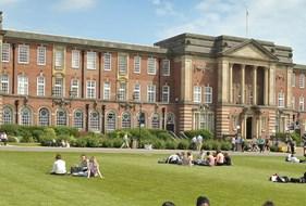 Trường Đại học Vinh làm việc với Trường Đại học Leeds Beckett