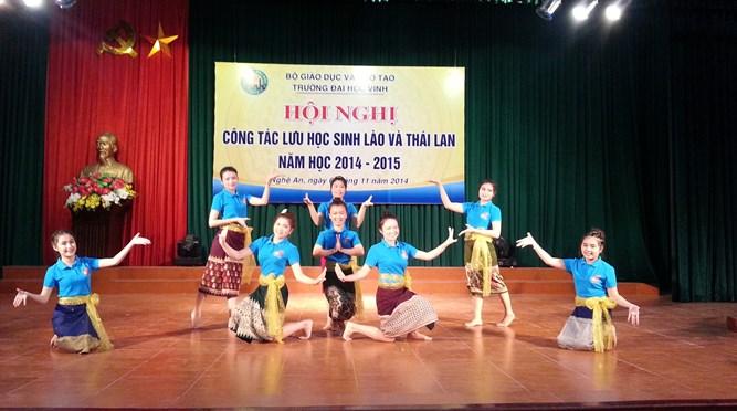 Hội nghị lưu học sinh Lào và Thái Lan năm học 2014 - 2015