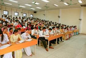 Lễ khai giảng các lớp đại học Từ xa