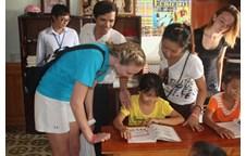 Trường Đại học Vinh và Trường Đại học South Floria,Hoa Kỳ, thực hiện Chương trình trao đổi sinh viên và giao lưu văn hóa hè 2012